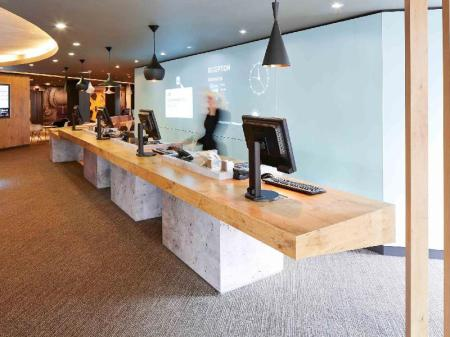 Business center Ibis London Heathrow Airport Hotel
