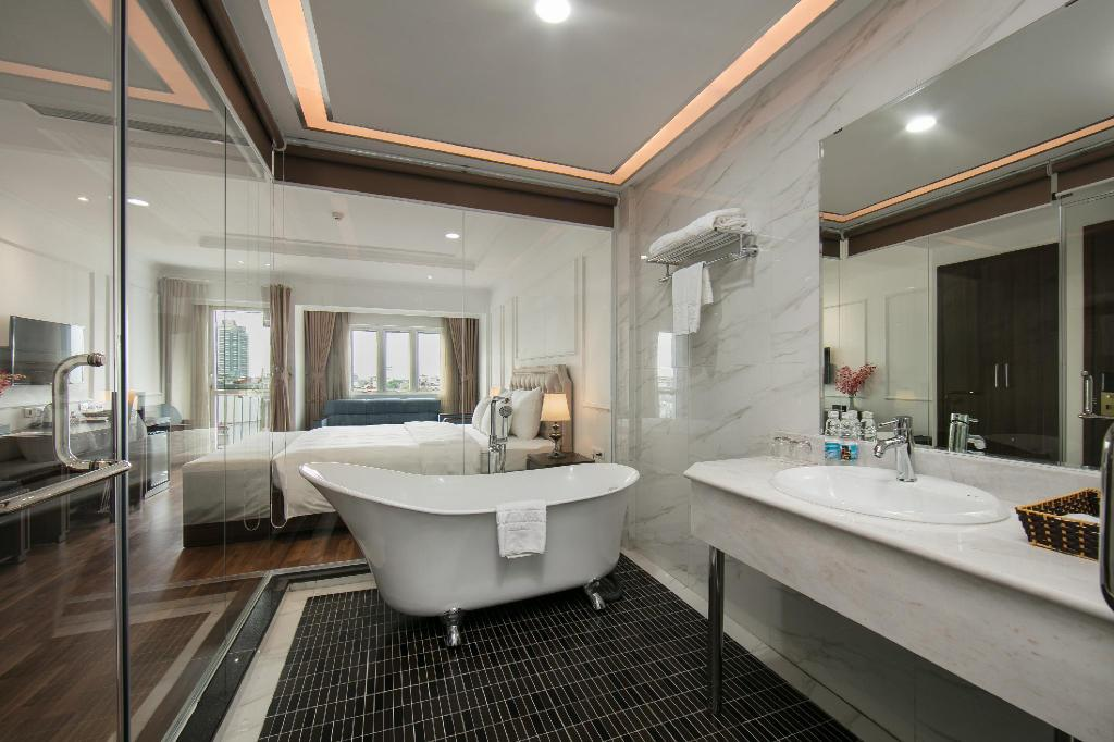 Quoc Hoa Premier Hotel and Spa