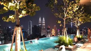 EXPRESSIONZ SUITES KLCC VIEW WITH SKYPOOL