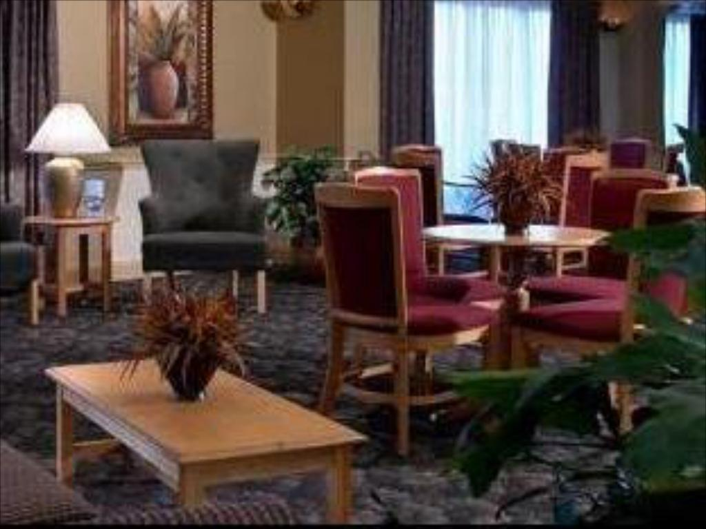 Lobby Best Western Airport Inn