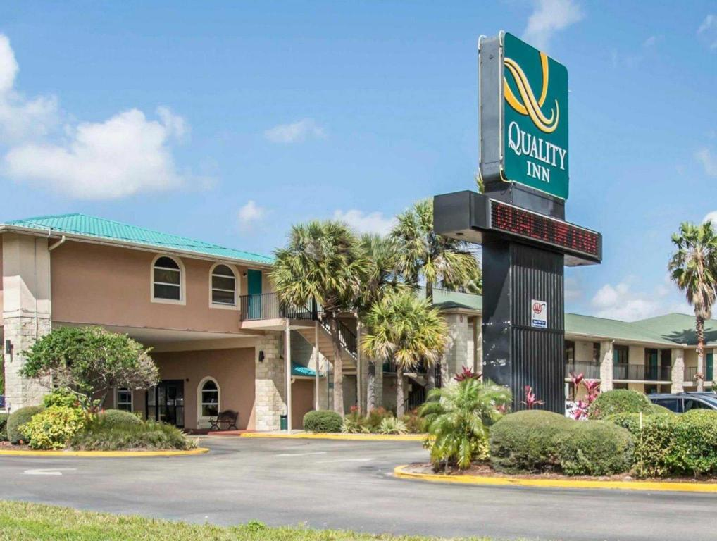 Mere om Quality Inn Orlando Airport