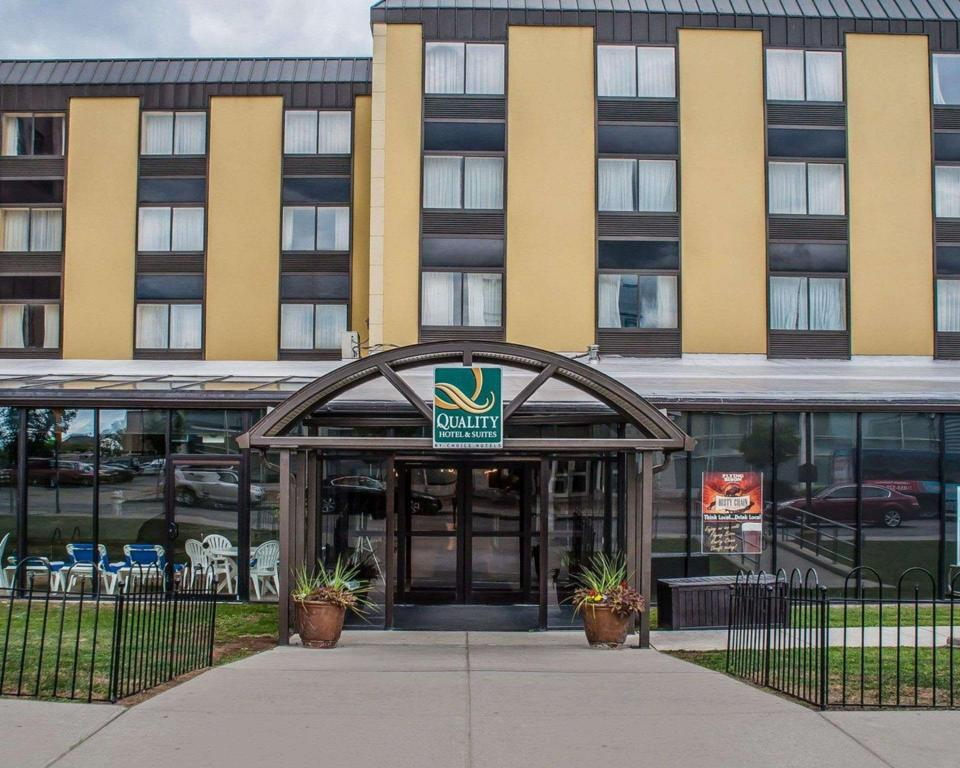 Quality Hotel And Suites At The Falls Niagara Falls City