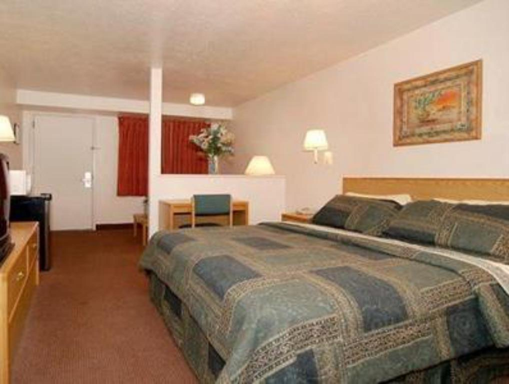 Suite - Katil Econo Lodge Old Town