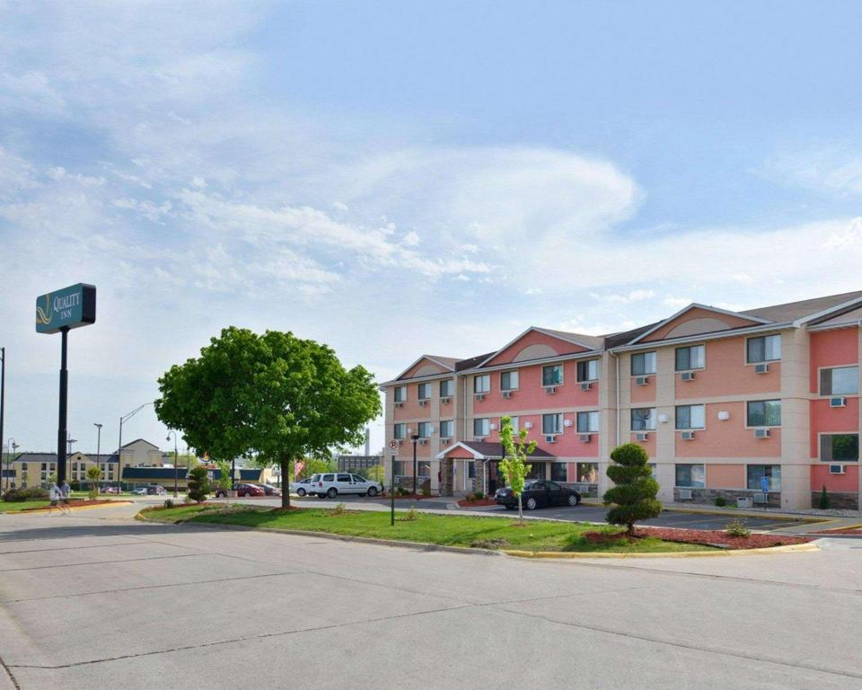Quality Inn South (Quality Inn South Cedar Rapids)