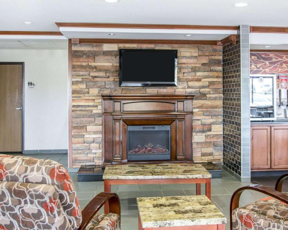 Lobby Quality Inn South (Quality Inn South Cedar Rapids)