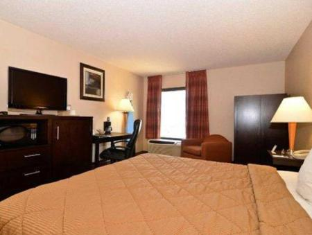 King Room - Non-Smoking - Guestroom Comfort Inn Hwy. 290/NW