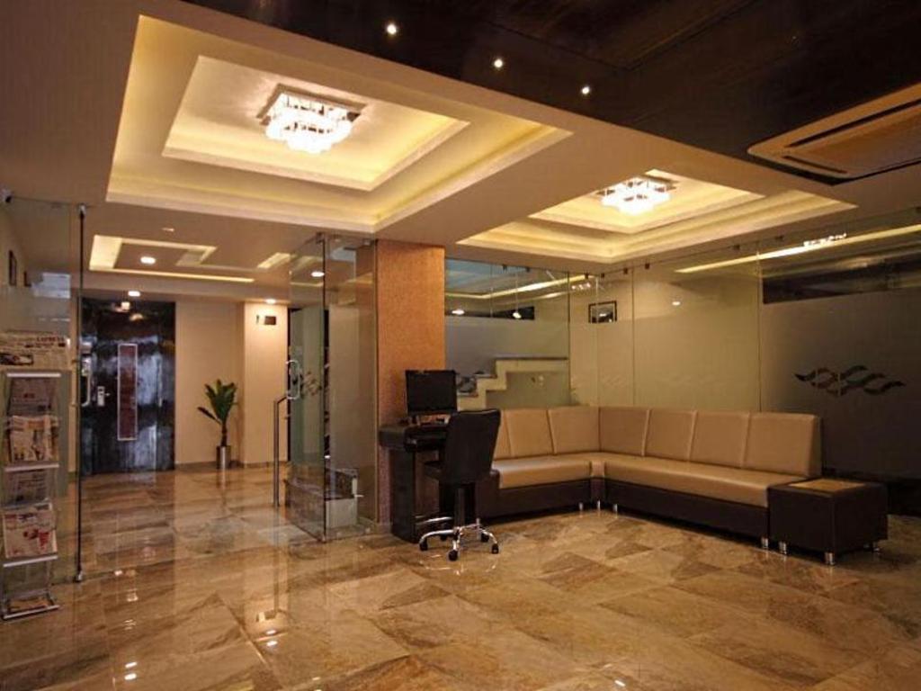 Hotel Furaat Inn Best Price On Hotel Furaat Inn In Ahmedabad Reviews