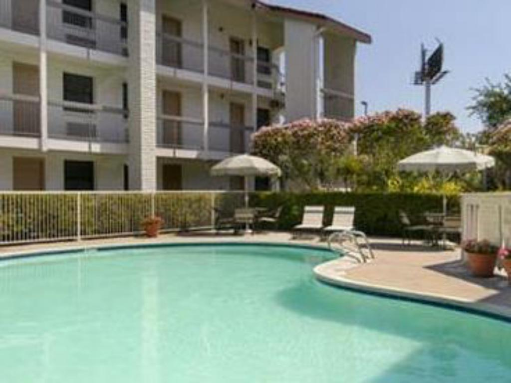 Schwimmbad Stay Express Inn & Suites Houston Hobby Airport