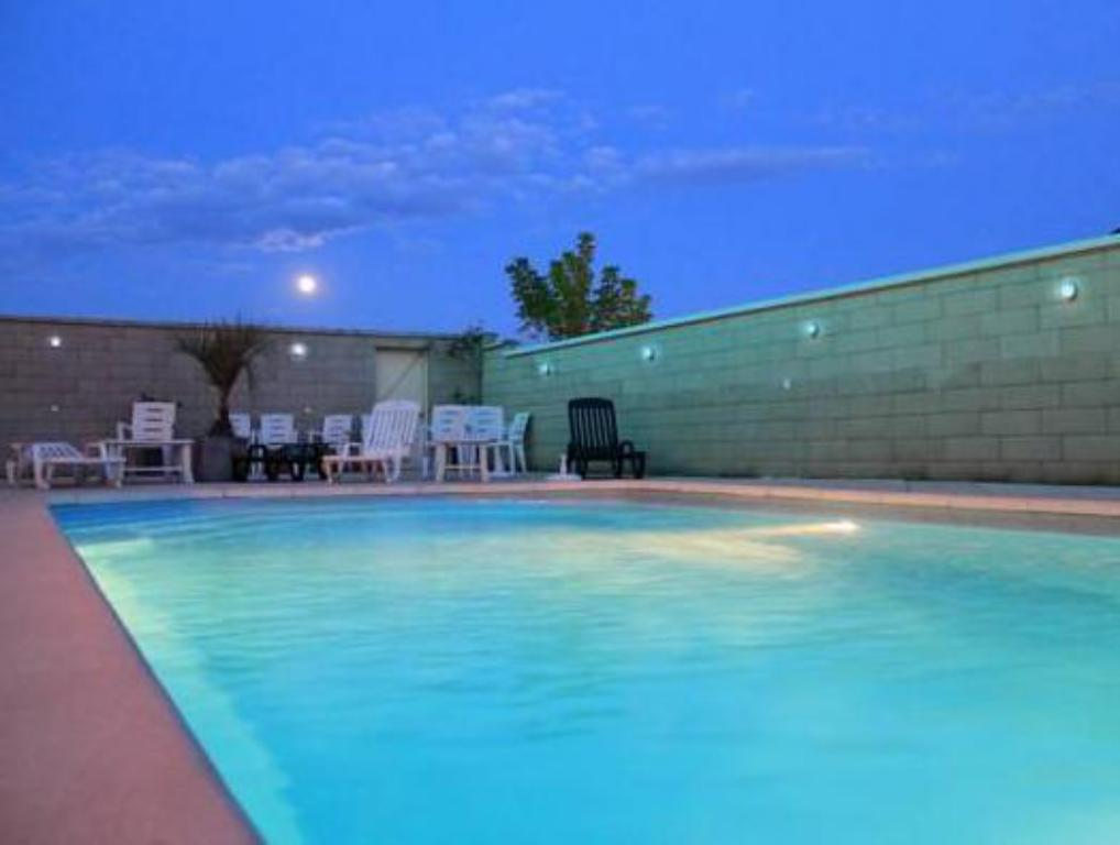 Swimming pool Hotel De France