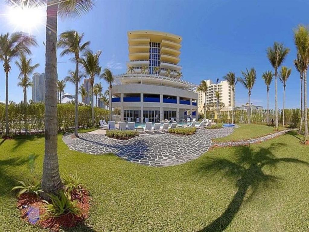 a inquiry hotel beach the membership lobby site miami bentley at hilton club south