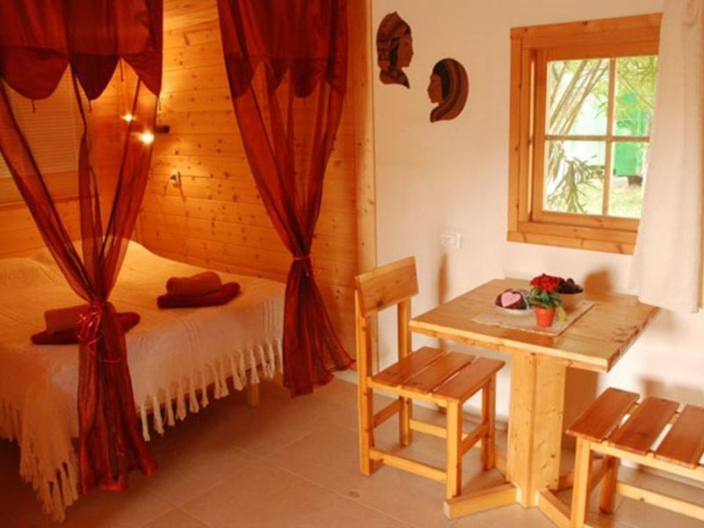 Family Chalet - Guestroom A Place In The Heart Hotel