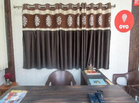 OYO 12131 Vallabh Villas, Udaipur, India - Photos, Room