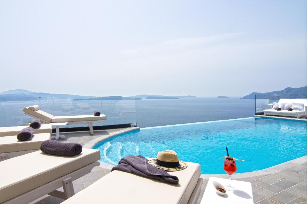 Swimming pool [outdoor] Santorini Secret Suites and Spa