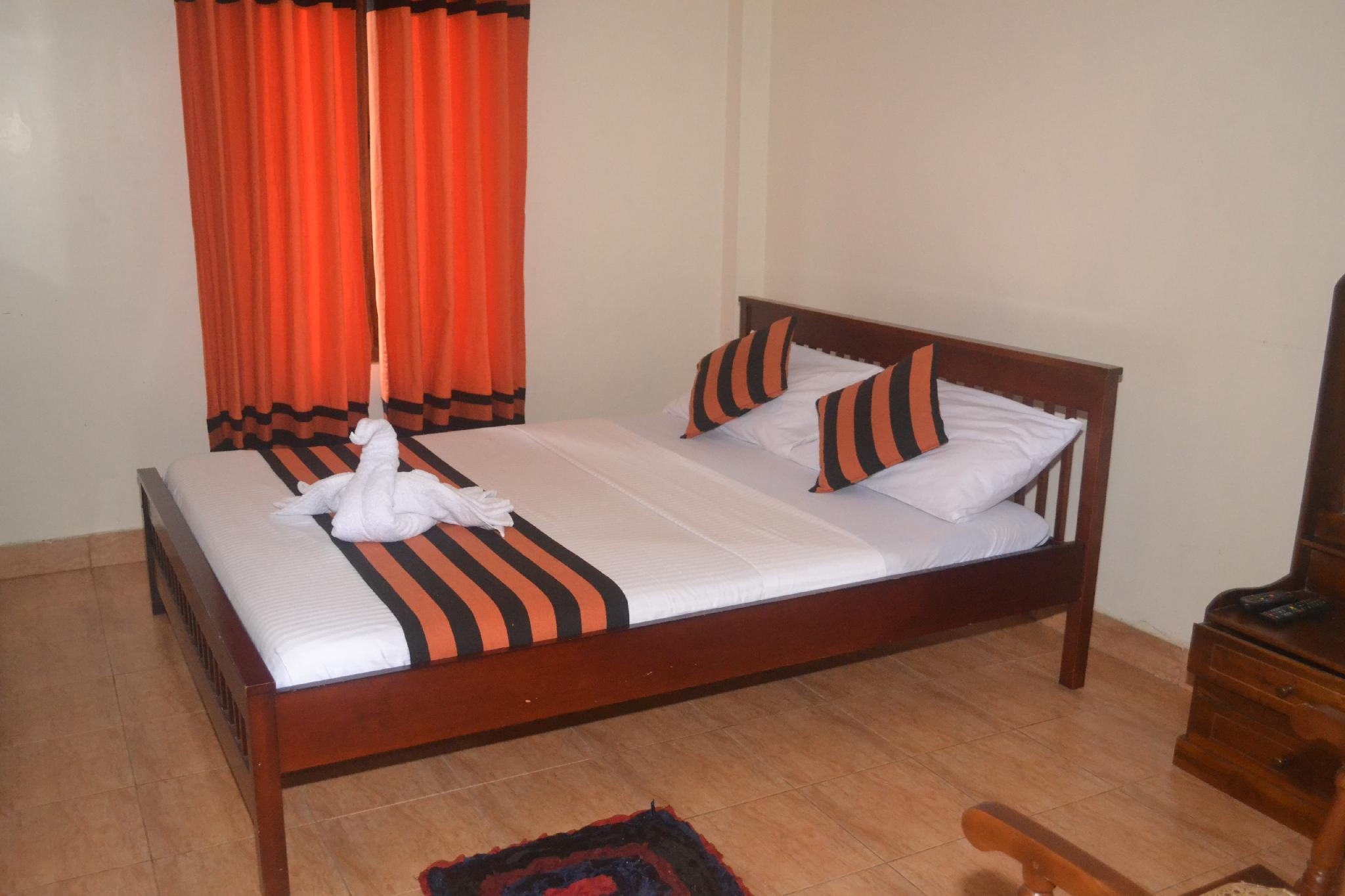 Deluxe Single Room with Round Trip Airport Transfer