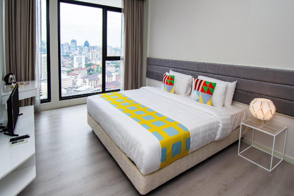 OYO Home Studio Expressionz Suites KL Tower View from