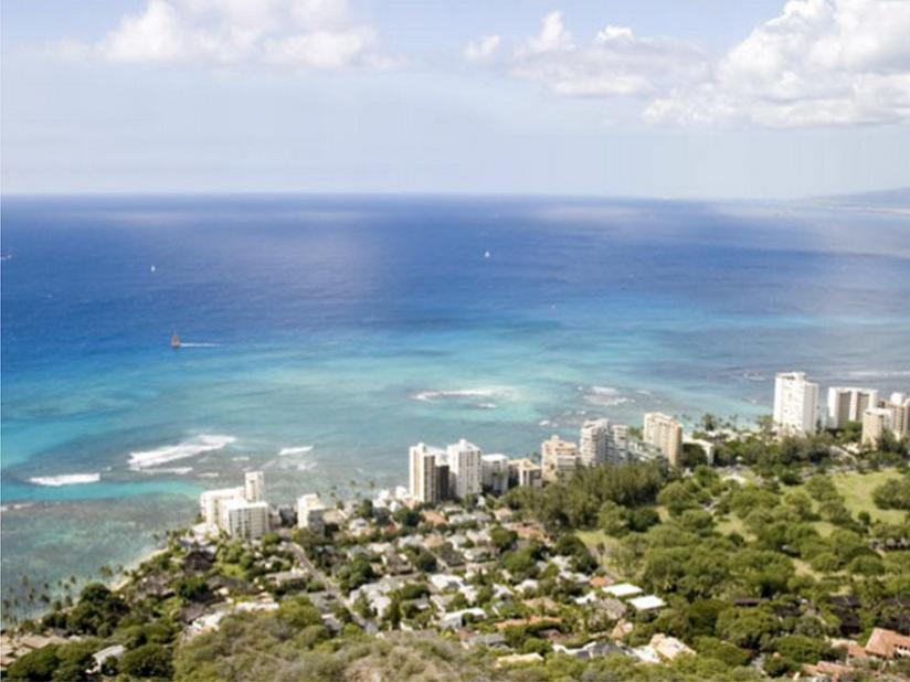 Best Price on Wyndham Vacation Resorts Royal Garden at Waikiki in