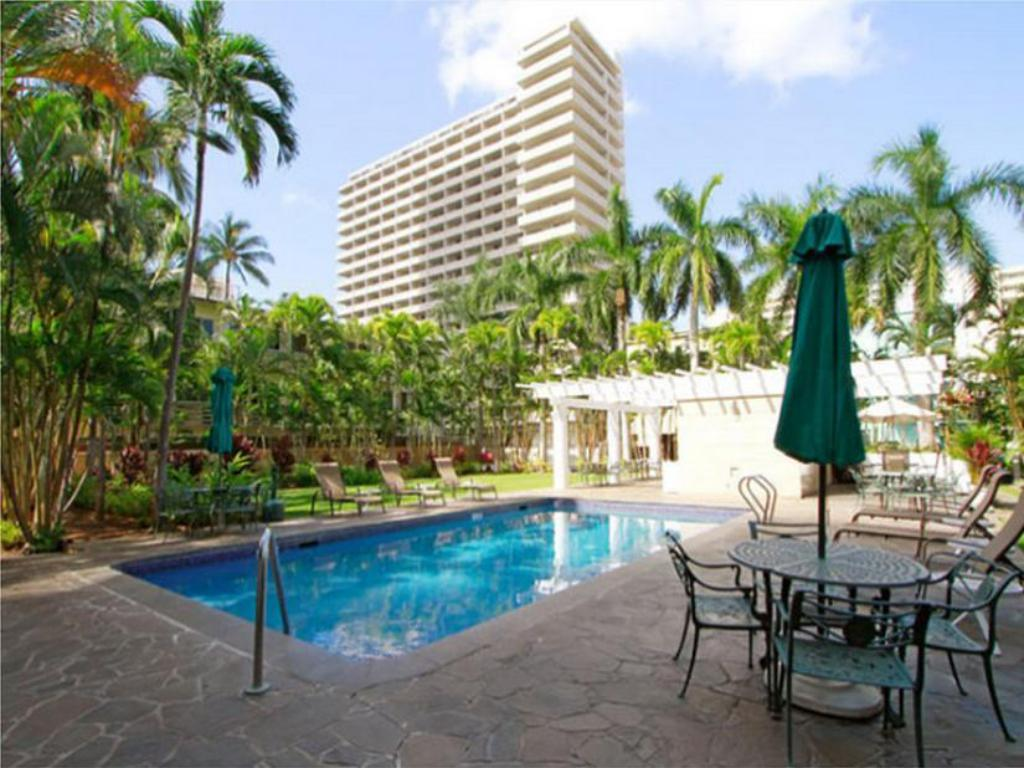 Best price on wyndham vacation resorts royal garden at for Wyndham at home