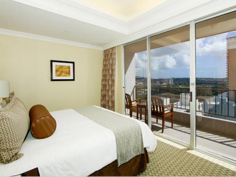 See All 30 Photos Wyndham Vacation Resorts Royal Garden At Waikiki