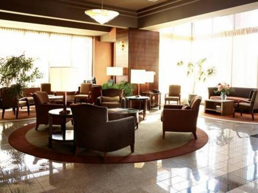 Lobby Quality Suites Toronto Airport