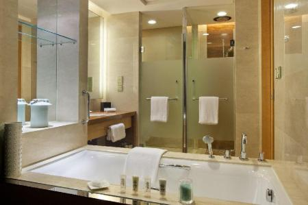 1 King Bed Deluxe Non-Smoking City View Crowne Plaza Yichang