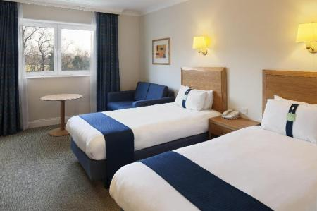 2 Single Beds Non-smoking Holiday Inn Edinburgh