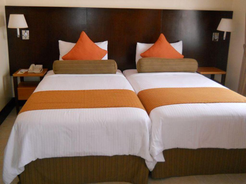 Premium Twin Room Pontefino Hotel and Residences