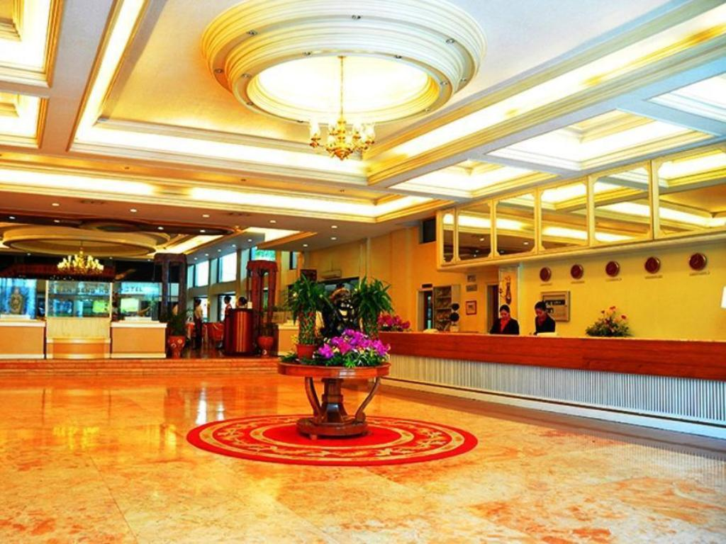 Hol Grand Men Seng Hotel