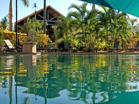 Swimming pool Bali Hai Resort And Spa