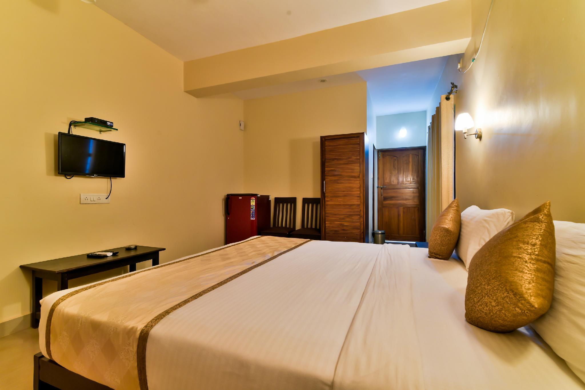 Baga Fantacia Beach Inn in Goa - Room Deals, Photos & Reviews
