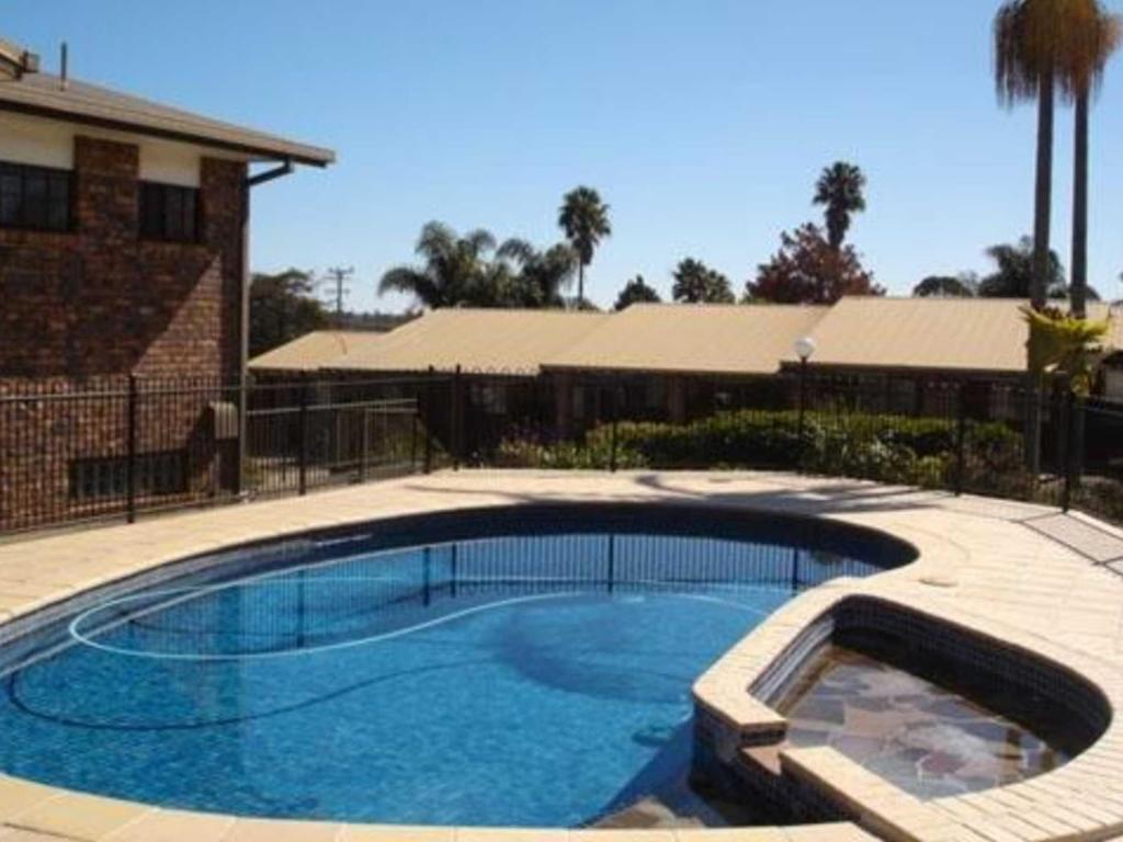 Allan Cunningham Motel Best Price On Comfort Inn Glenfield In Toowoomba Reviews