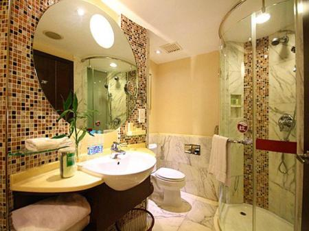 Bathroom Hotel Royal