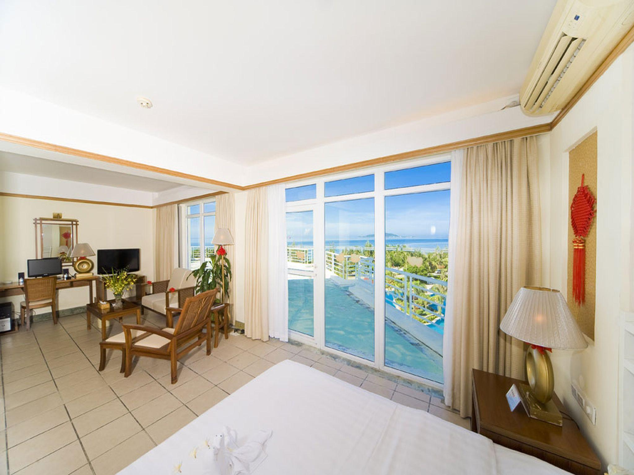 Suite Bulan Madu dengan Pemandangan Kebun (Honeymoon Suite Garden View)