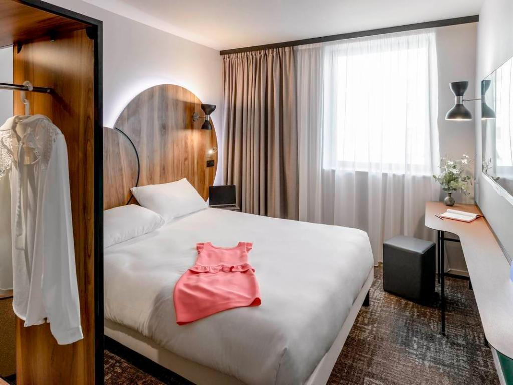 1 Standard Double Bed Room ibis Styles Paris Meteor Avenue d'Italie