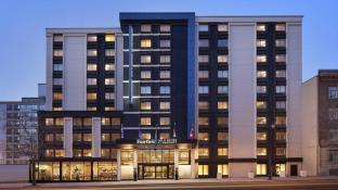 Fairfield Inn & Suites by Marriott Montreal Downtown