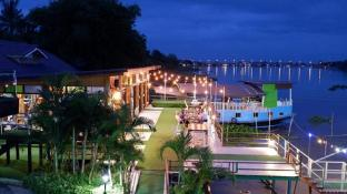 Suwanna Riverside Resort