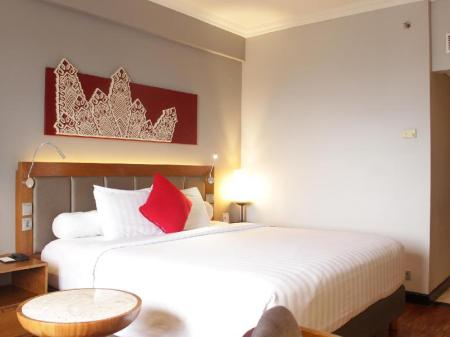 Deluxe Double - Bed Novotel Bukittinggi