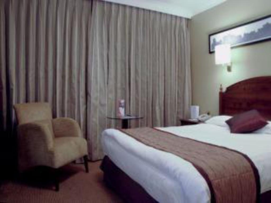 See all 60 photos Crowne Plaza Manchester Airport