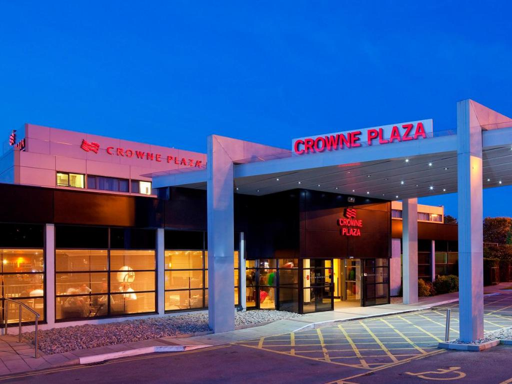 More about Crowne Plaza Manchester Airport
