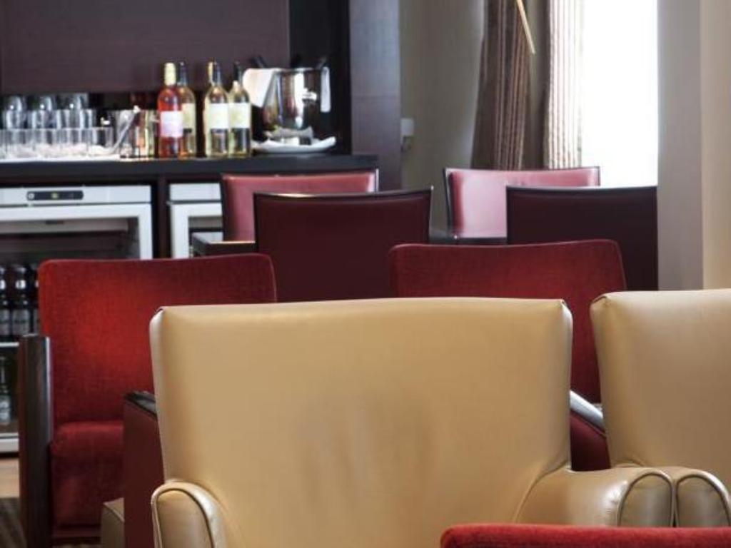 Interior view Crowne Plaza Manchester Airport