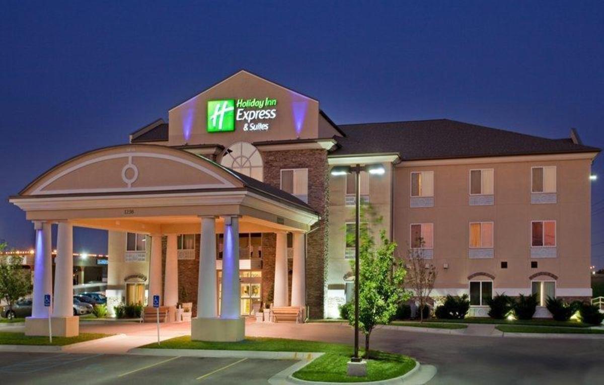Comfort Inn Suites 63 8 4 Updated 2020 Prices Hotel Reviews Wichita Ks Tripadvisor