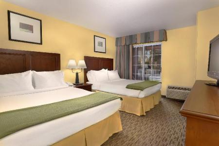 Люкс с 2 кроватями размера Queen Holiday Inn Express Hotel & Suites Scottsdale - Old Town
