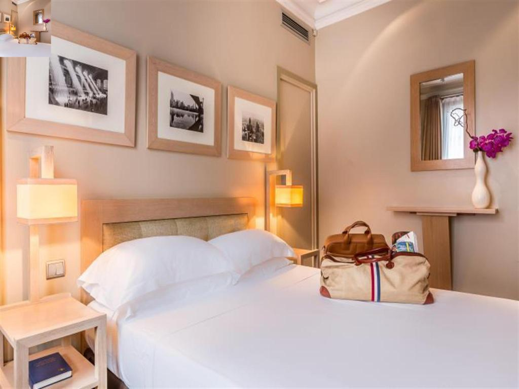 See all 30 photos Hotel Duret