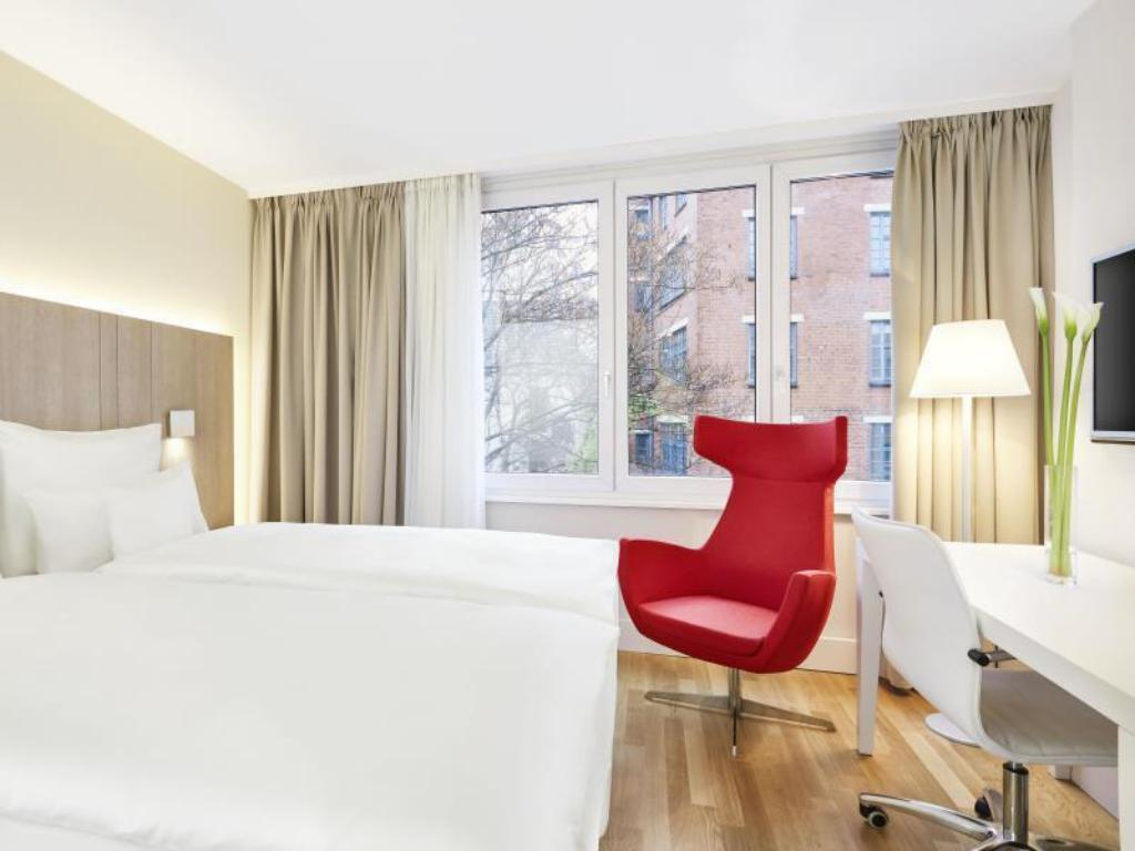 Superior Room - Guestroom NH Collection Hamburg City