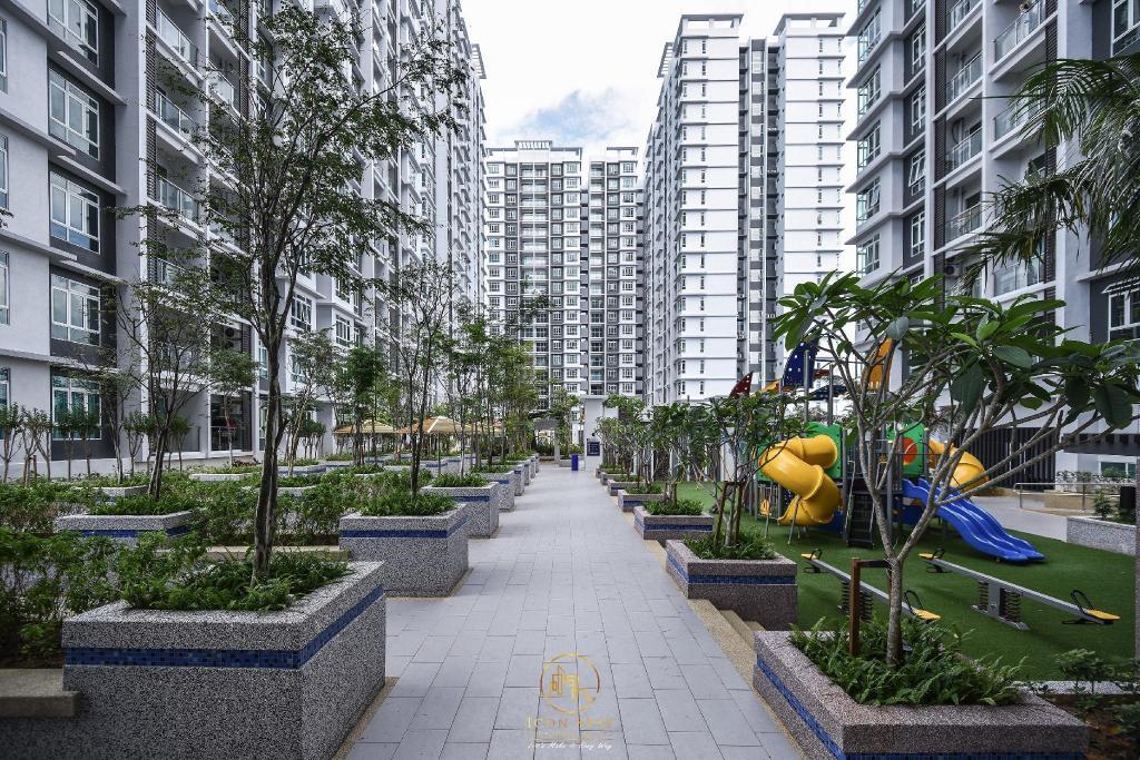 Parkland Residence Condominium | Malacca 2020 UPDATED DEALS ₹4906, HD  Photos & Reviews