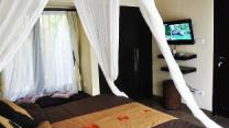 3 Bedrooms Pool Villa only 5 min to Seminyak beach