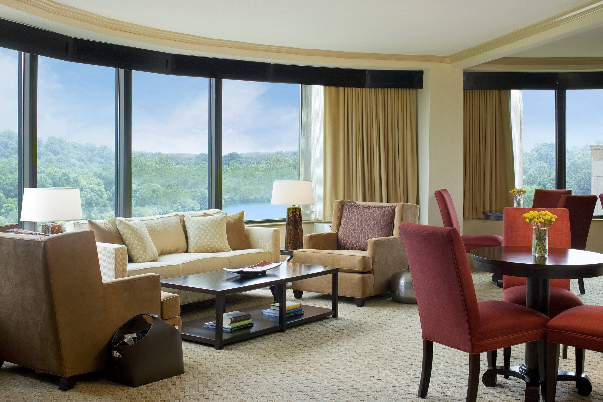 Club Room, Club level, Guest room, 1 King, Tower, High floor
