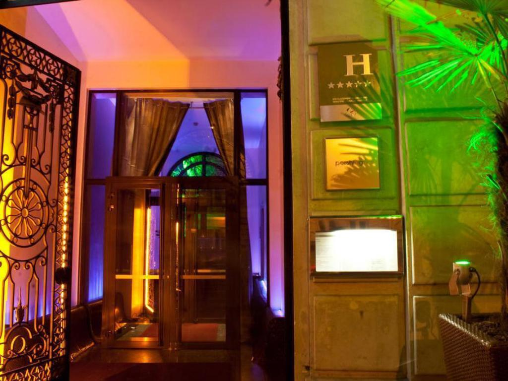Foyer Hotel Paris : Pershing hall hotel in paris room deals photos reviews