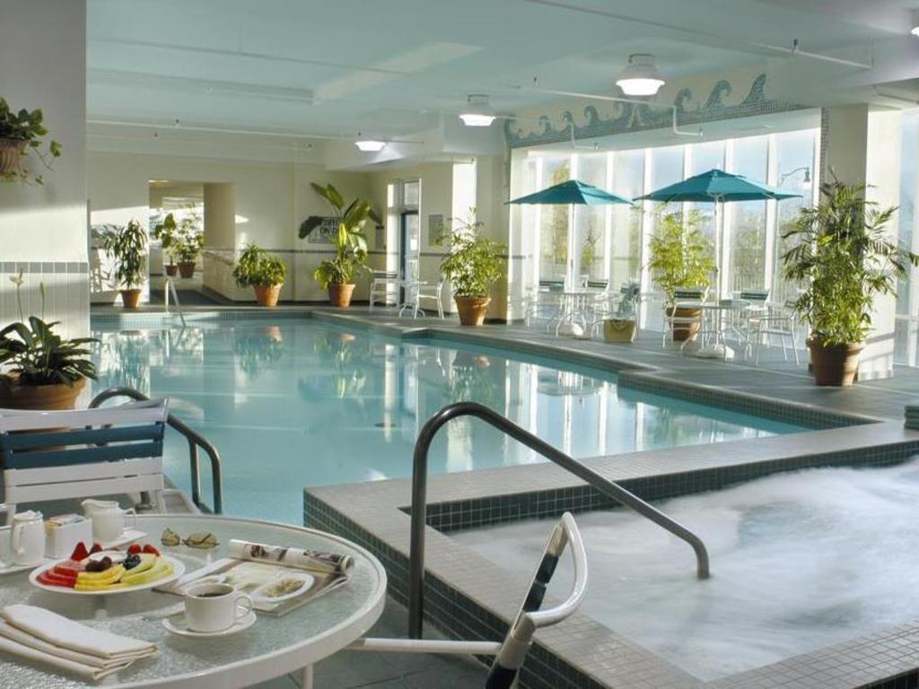 Best Price on Niagara Falls Marriott Fallsview Hotel & Spa in Niagara Falls (ON) + Reviews!