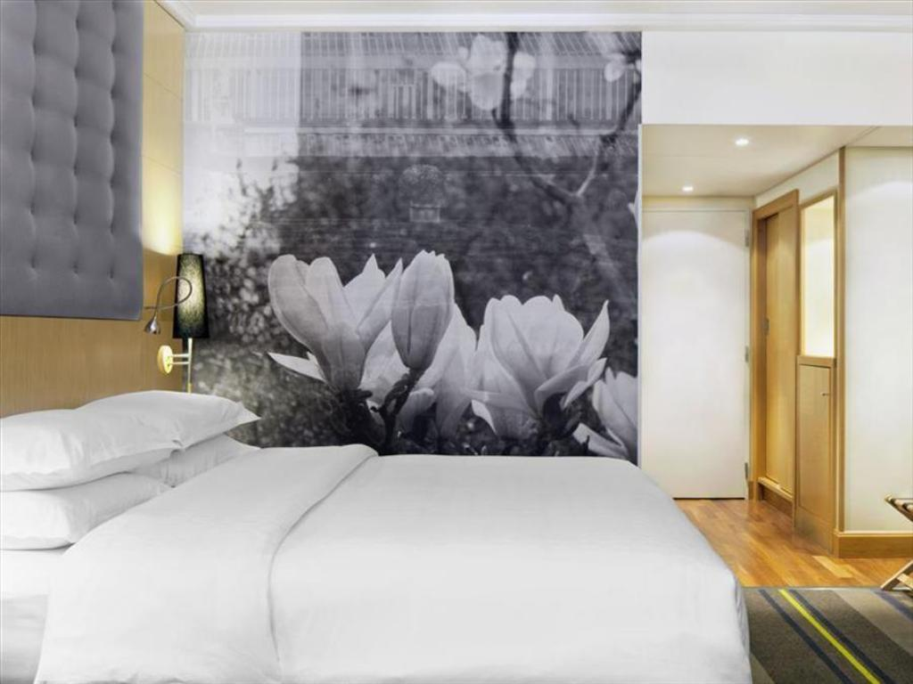 Sheraton brussels airport hotel in belgium room deals photos