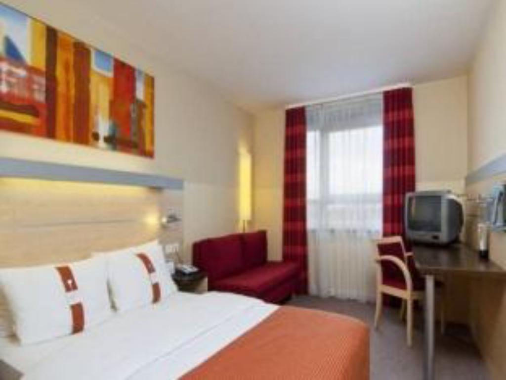 1 Queen Bed With Sofa Bed - חדר אורחים Holiday Inn Express Duesseldorf City Nord